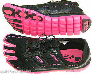 New-Fila-Skele-toes-Athletic-Shoes-Lite-Women-Size-6-Girl-sz-4-Black-Hot-Pink