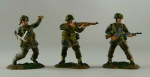 Conte-WWII-47098-The-Longest-Day-British-Paratroopers-Advancing-Set-C
