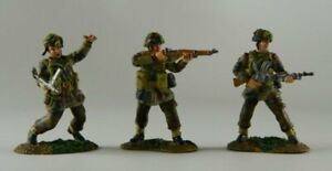 Conte-WWII-47098-The-Longest-Day-British-Paratroopers-Advancing-Set-A