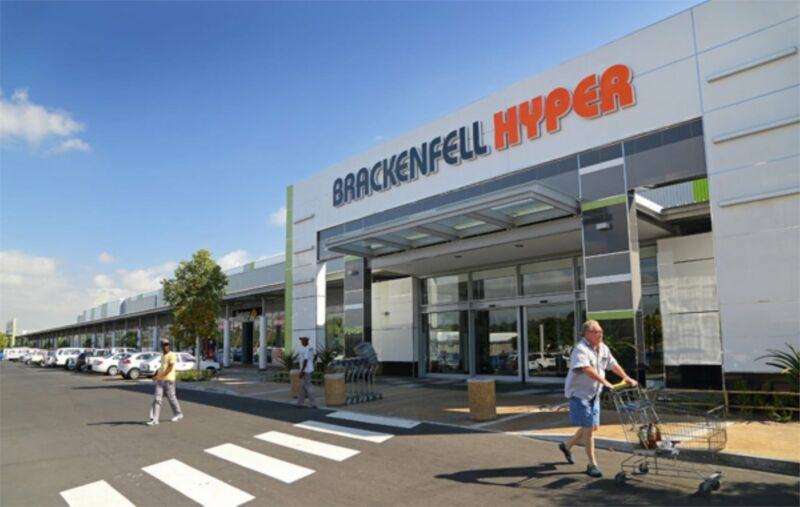 Retail outlet to let - Brackenfell Shopping Centre
