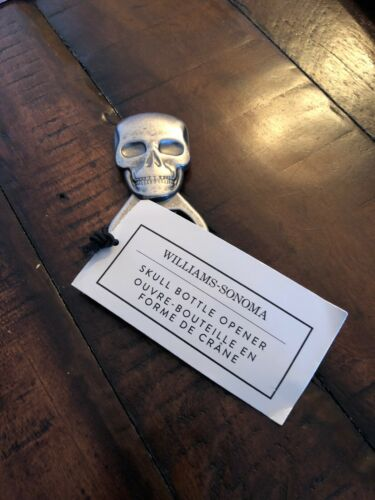 WILLIAMS-SONOMA HAND-HELD SKULL BOTTLE OPENER OPEN WIDE FOR SPOOKY FUN! NWT