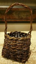 """UNIQUE MINIATURE WOVEN WILLOW WICKER 6 1/4"""" BASKET WITH HANDLE EUC"""