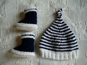Ensemble-bonnet-chaussons-bebe-0-3-mois-tricotes-main