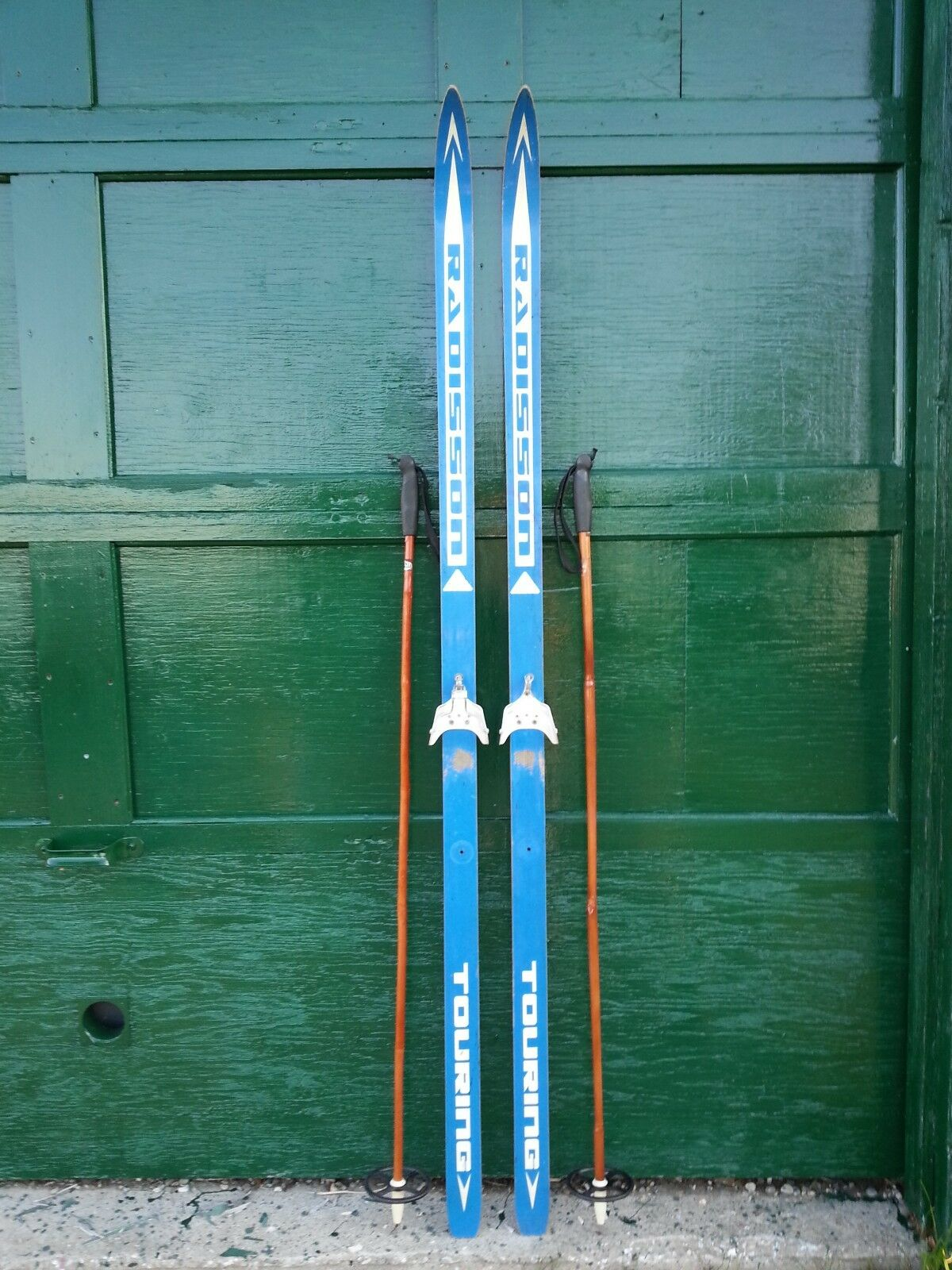 VINTAGE Wooden 74   Skis Has bluee Finish and Signed RADISSON + Bamboo Poles  your satisfaction is our target