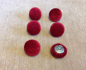 Velours 24L/15mm rouge recouvert de tissu boutons recouverts Craft Sewing  </span>