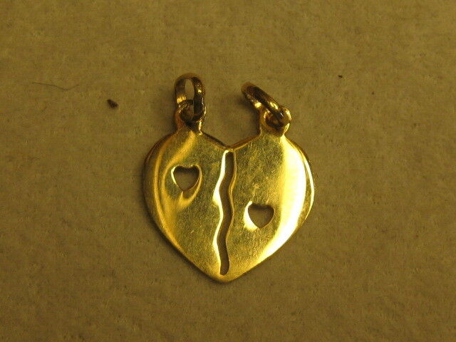 A NEW 19.2 KT Splitting Heart CHARM FROM PORTUGAL