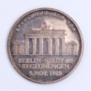 Brandenburg-Gate-Berlin-City-of-Encounters-039-9-Nov-1989-Silver-Medallion