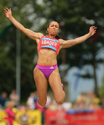 H8233-2012 Olympic Heptathlon champion Jessica Ennis-Hill UNSIGNED photo