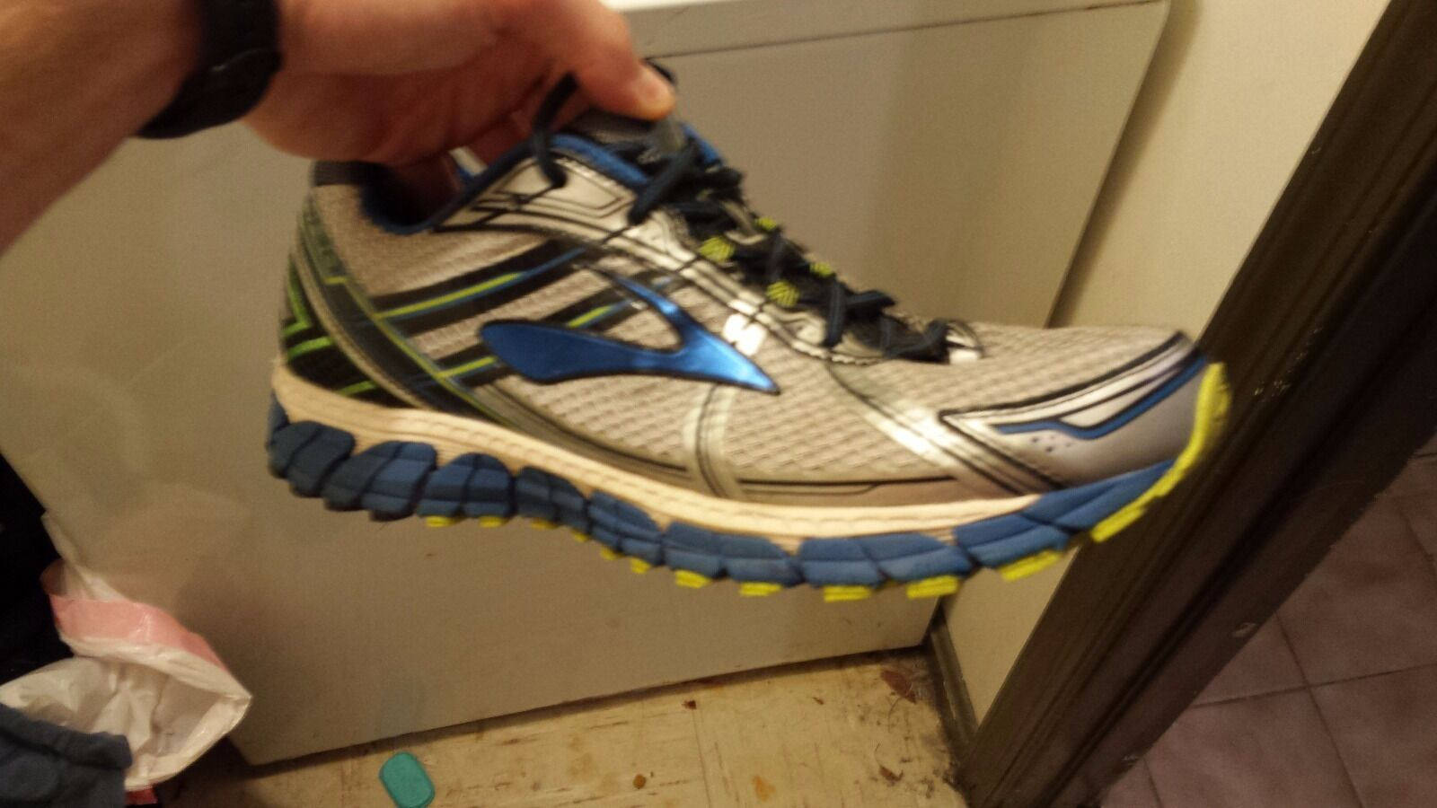 Brooks 11 Adrenaline running  shoes  quality first consumers first