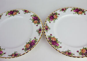 2-x-Dinner-Plates-Royal-Albert-Old-Country-Roses-vintage-1962-England-backstamp