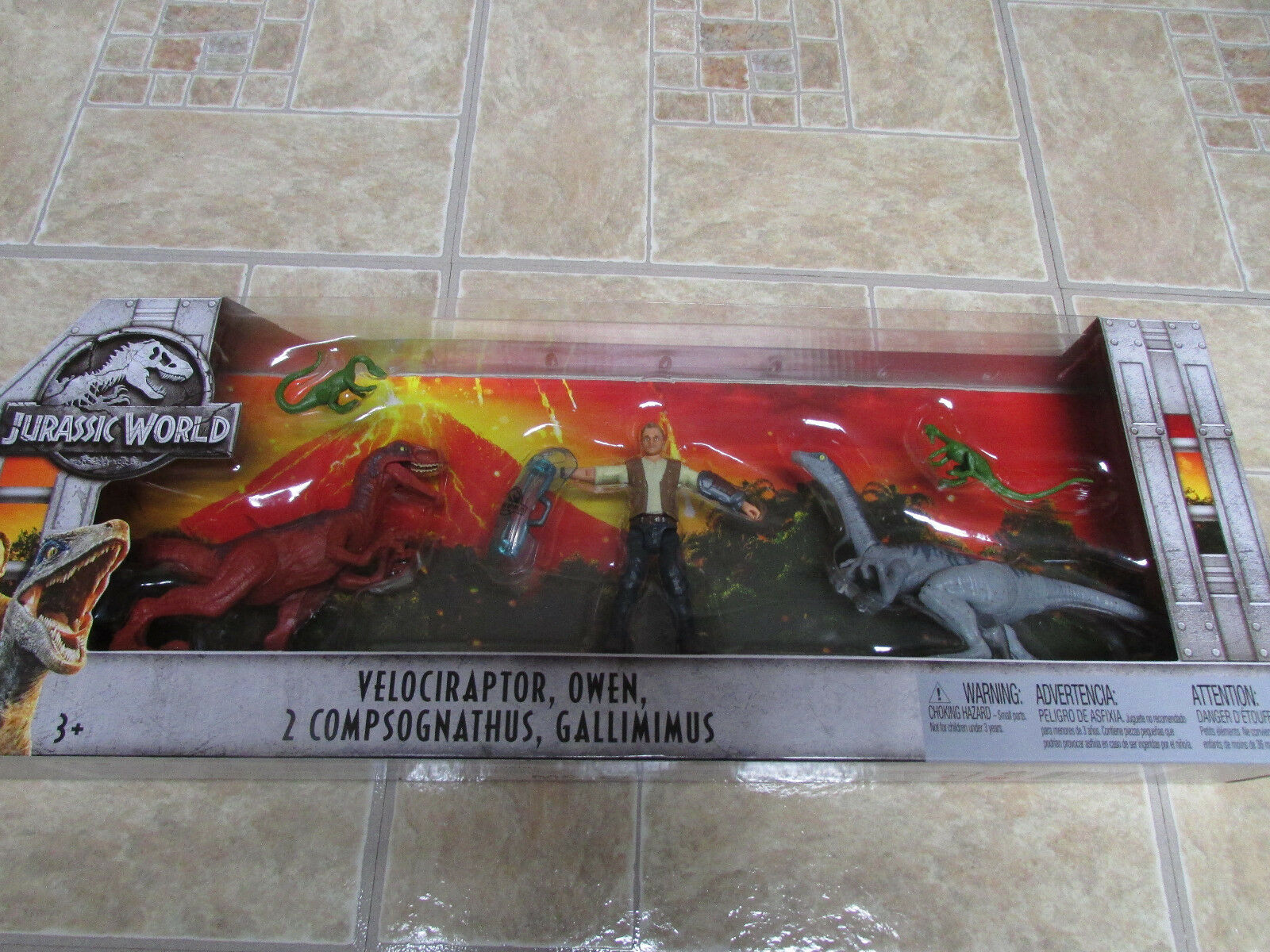 Jurassic World Velociraptor, Gallimimus that Rex eats Jurassic Park