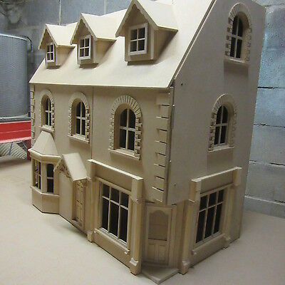 "The NewBury Corner Shop/Pub with 5 rooms above 30"" wide Ready Made 12th scale"