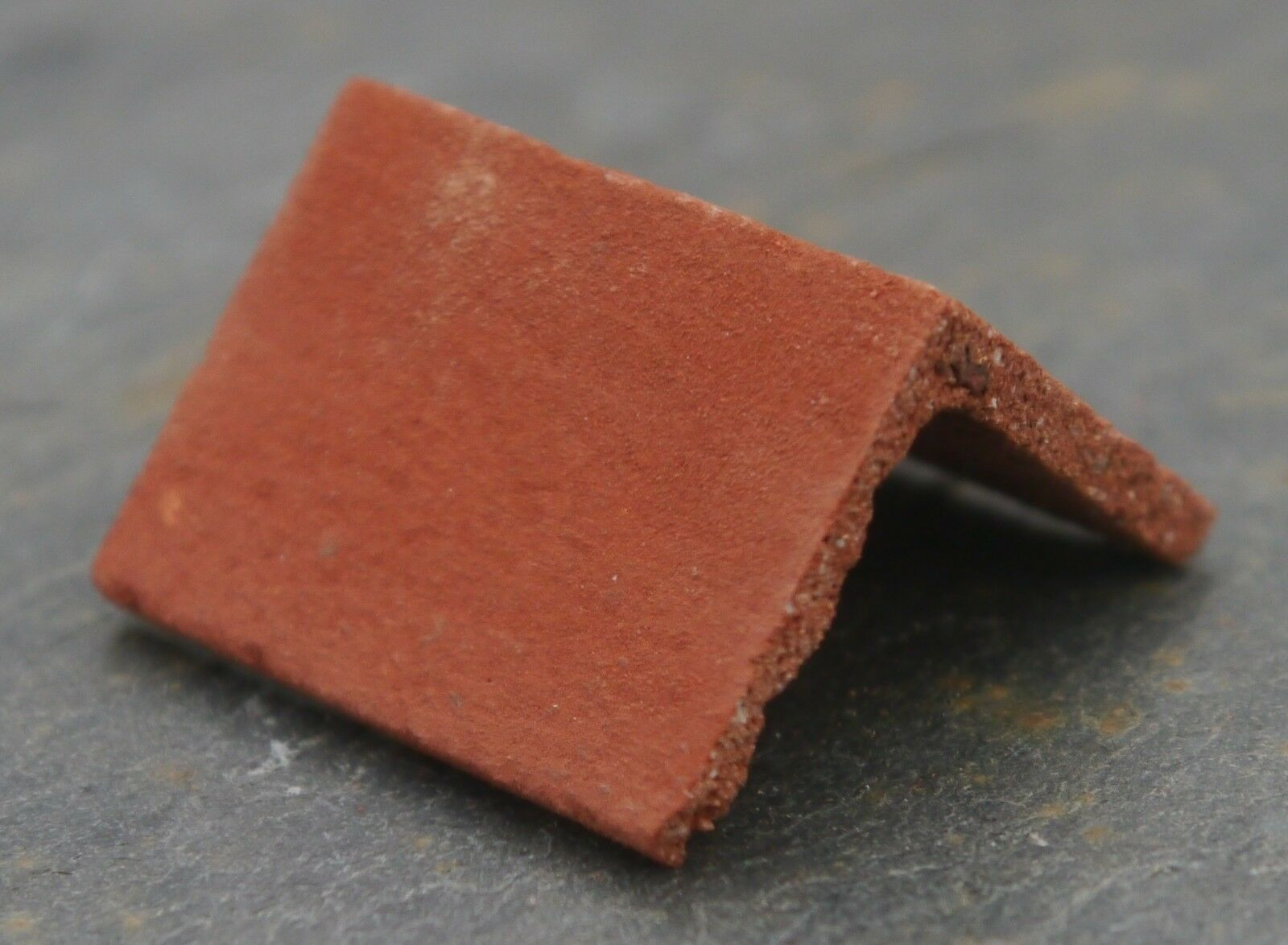 50 1 12th Real Brick Victorian rot Angled Ridge Tiles for Dolls Houses & Models