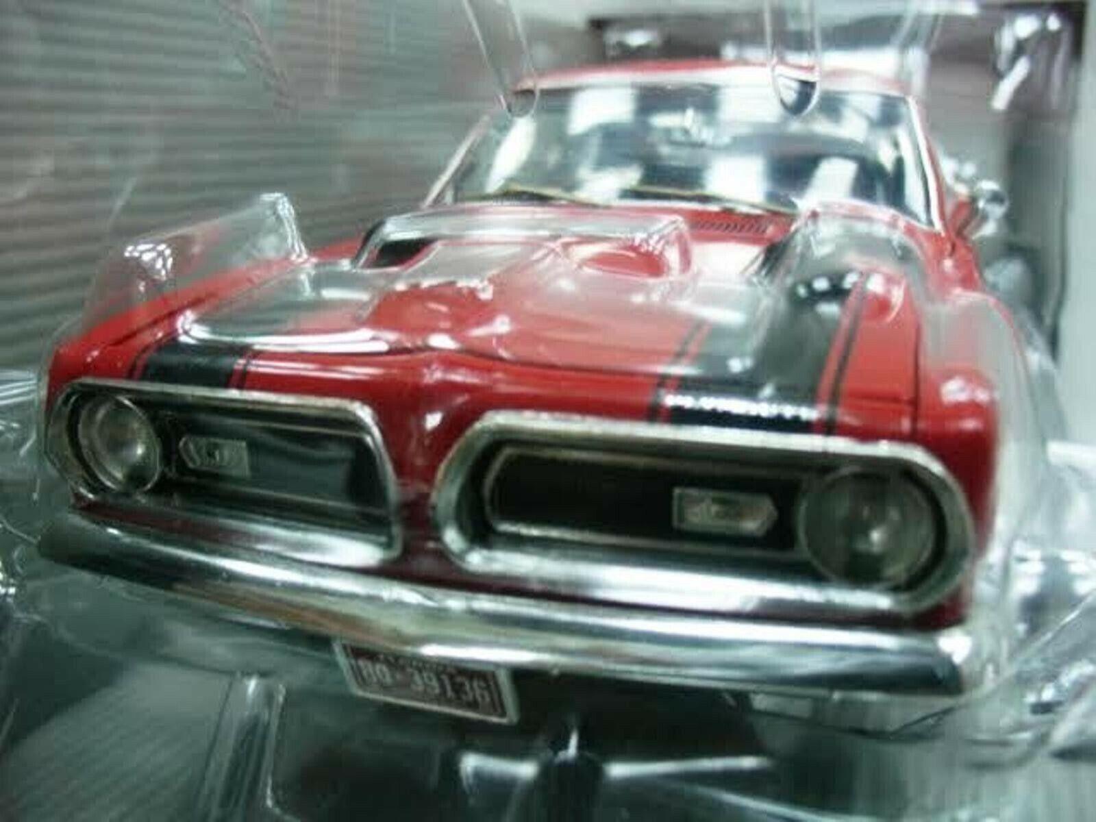 WOW estremamente raro PLYMOUTH BARRACUDA 440 V8 CUDA 1969 Rosso 1 18 Highway 61-ERTL