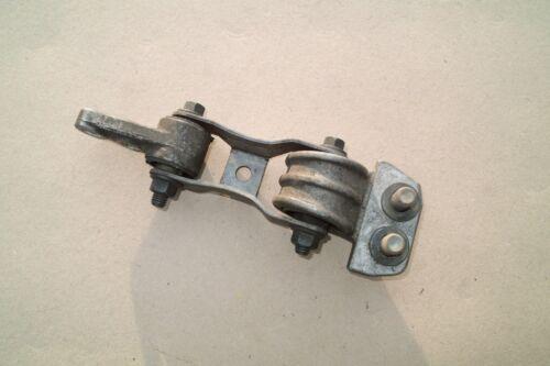 GENUINE VOLVO S60 V70 C70 850  2.5  ENGINE MOUNT BRACKET 9141041