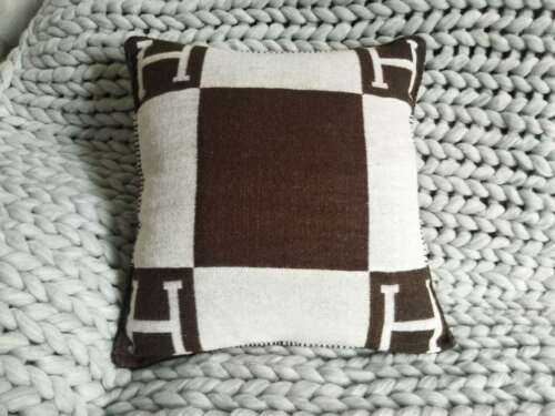 NEW H-Wool Cashmere Thick Throw Plaid Pillow Case Sofa Travel Car Cushion 2Style