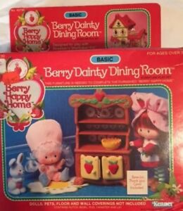 Mint-In-Box-Berry-Dainty-Dining-Room-Furniture-Strawberry-Shortcake-Vintage
