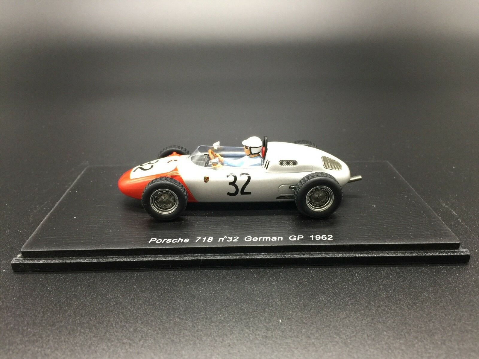 Spark Model S1864 PORSCHE 718 H.WALTER 1962 N.32 14th GERMAN GP 1 43