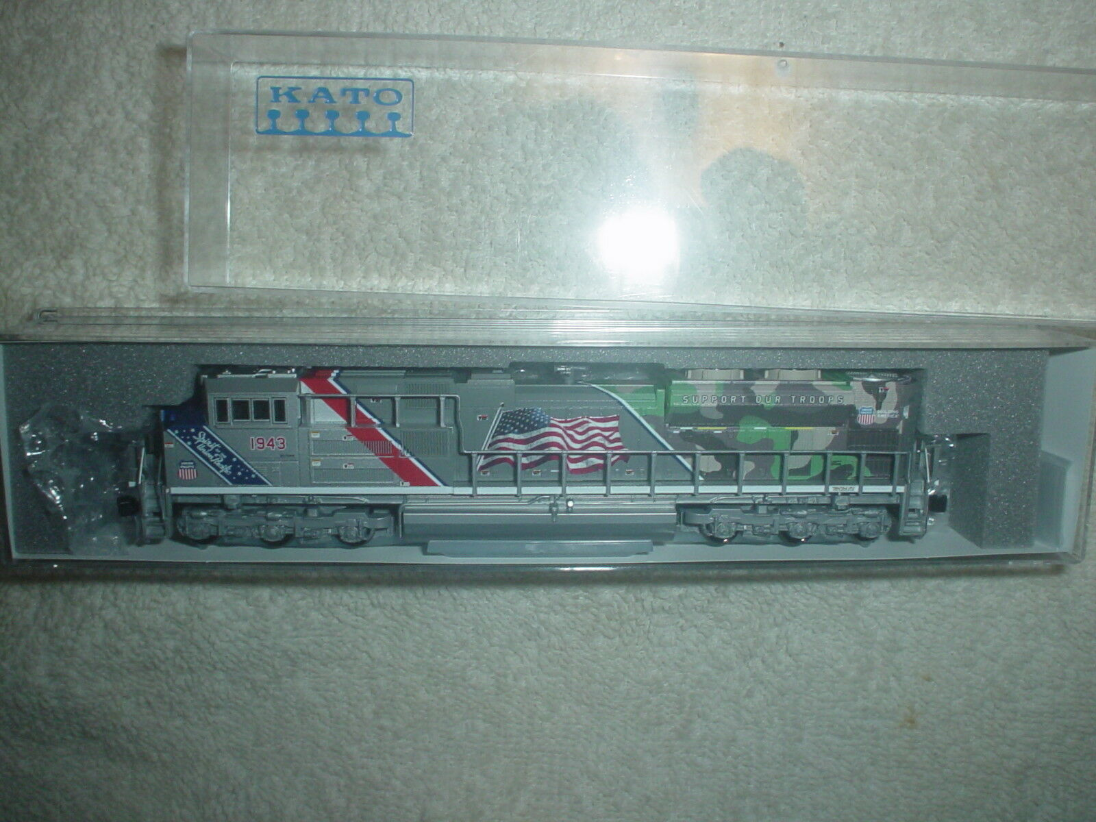 N Scale Kato SD70ace, UP Road  1943, Nuovo,WITH  DCC