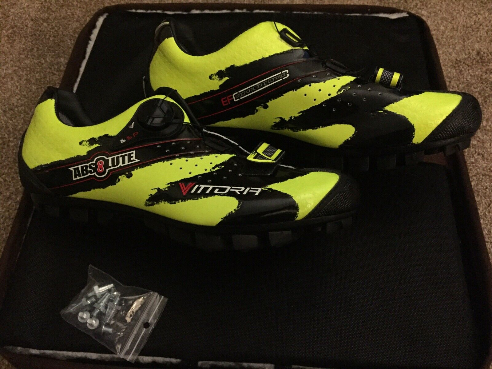 New In Box Vittoria Absolute MTB Shoes Yellow Size 7 Men's, 8.5 Women's 39 EU