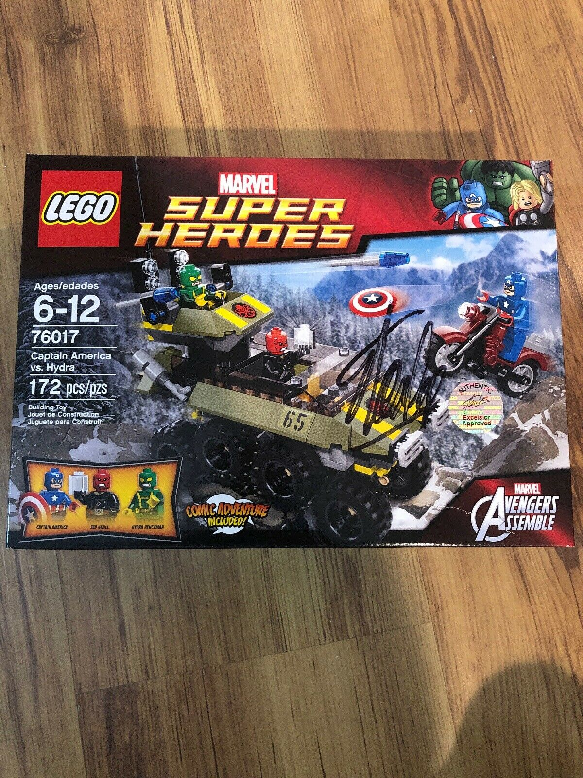 New And Sealed Lego Super Heroes 76017 Signed By Stan Lee And Authentic