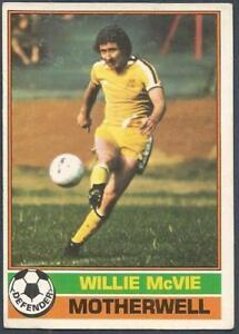 -#132- ABERDEEN SCOTTISH YELLOW BACK 1977 TOPPS-FOOTBALL DAVIE ROBB