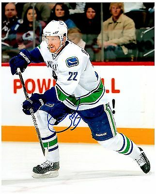 Sports Mem, Cards & Fan Shop Obliging Vancouver Canucks Daniel Sedin Signed Autographed 8x10 Pic