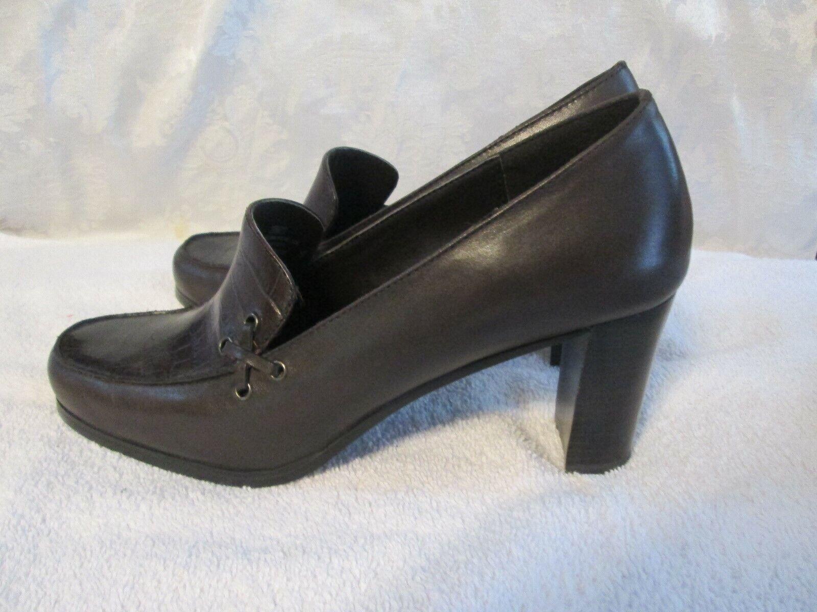 Liz Baker Brown woman's shoes apostrophe 3