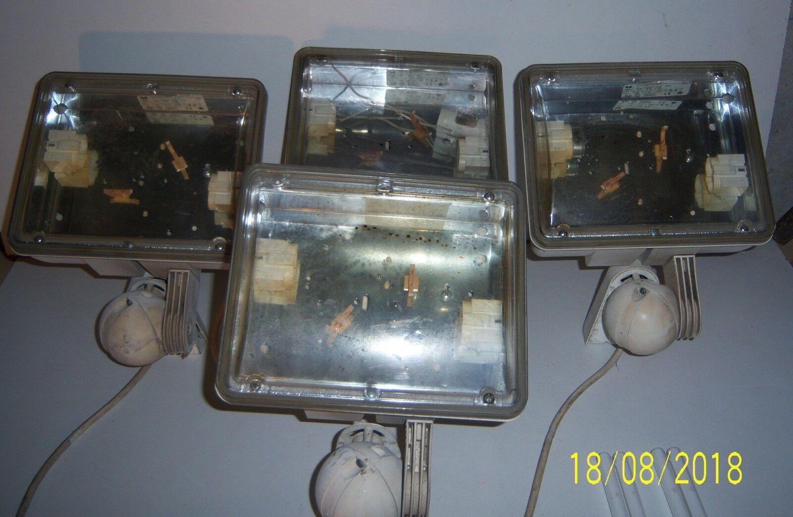 APPLIQUES MURAL LAMPE FLUORESCENTE INTÉ  EXTÉ FLUOSPOT PC 29-85-CR 2 X 9 WATTS .