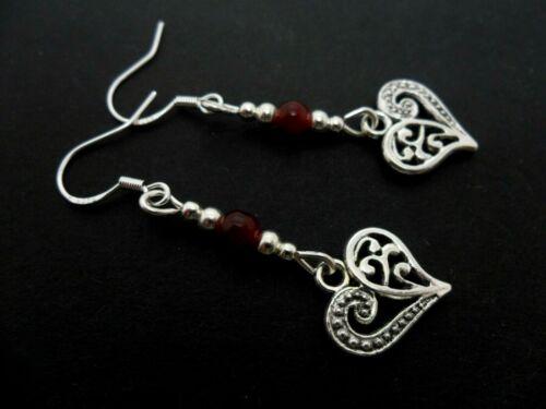 Un par de Plata Tibetana Pendientes del corazón con 925 Ganchos De Plata Maciza nuevo