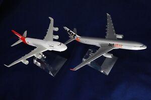 JETSTAR-amp-QANTAS-747-DIECAST-METAL-PLANE-AIRCRAFT-MODELS-ON-STAND-AEROCRAFT