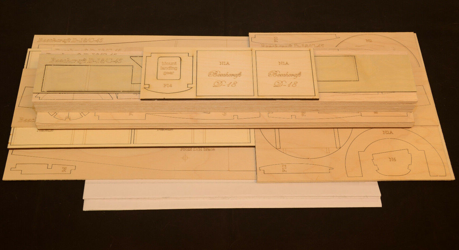 Grande 1/7 escala modelo Beechcraft 18 Kit De Corte Láser Corto & planes 80 in (approx. 203.20 cm) envergadura