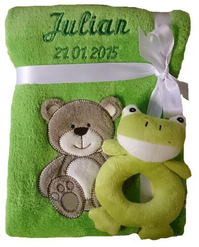 Spielzeug Rassel Frosch Geschenk Geburt Taufe Baby Babydecke mit Namen bestickt