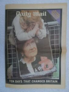 Details about Queen Mother Tribute Souvenir Daily Mail 2002  32 Pages   Funeral Service Photos