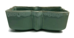 Vintage-UPCO-Planter-Ungemach-Pottery-Co-USA-Green-Butterfly-Bow-917-Mid-Century