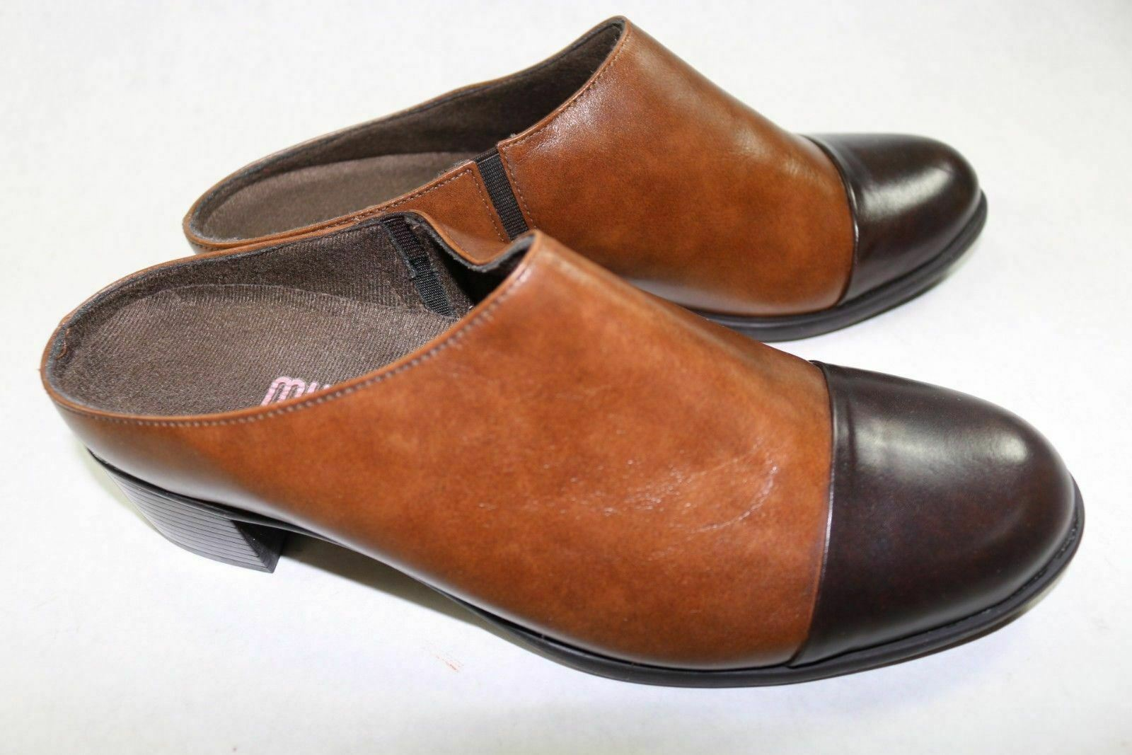 Women's 8.5 M Munro Brown Leather Mules New Clogs Cap Toe A125