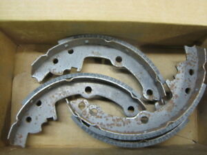 ACDelco 17514RF1 Professional Rear Drum Brake Shoe Set