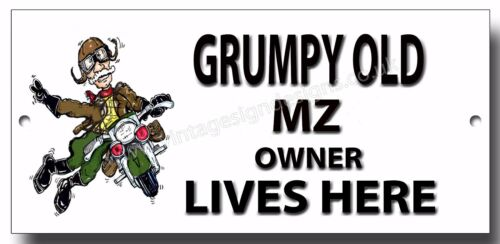 GRUMPY OLD MZ OWNER LIVES HERE FINISH METAL SIGN.