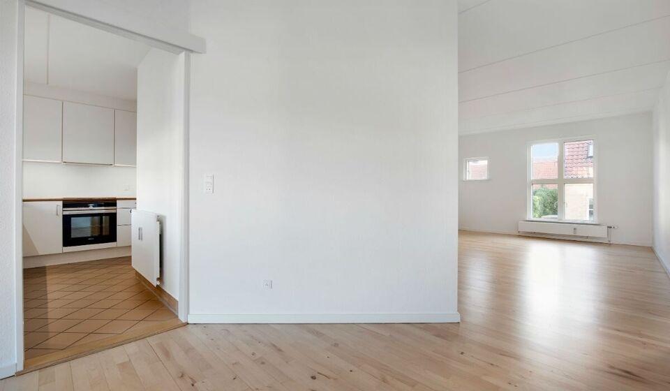 7000 vær. 3 lejlighed, m2 88, Kongensstræde