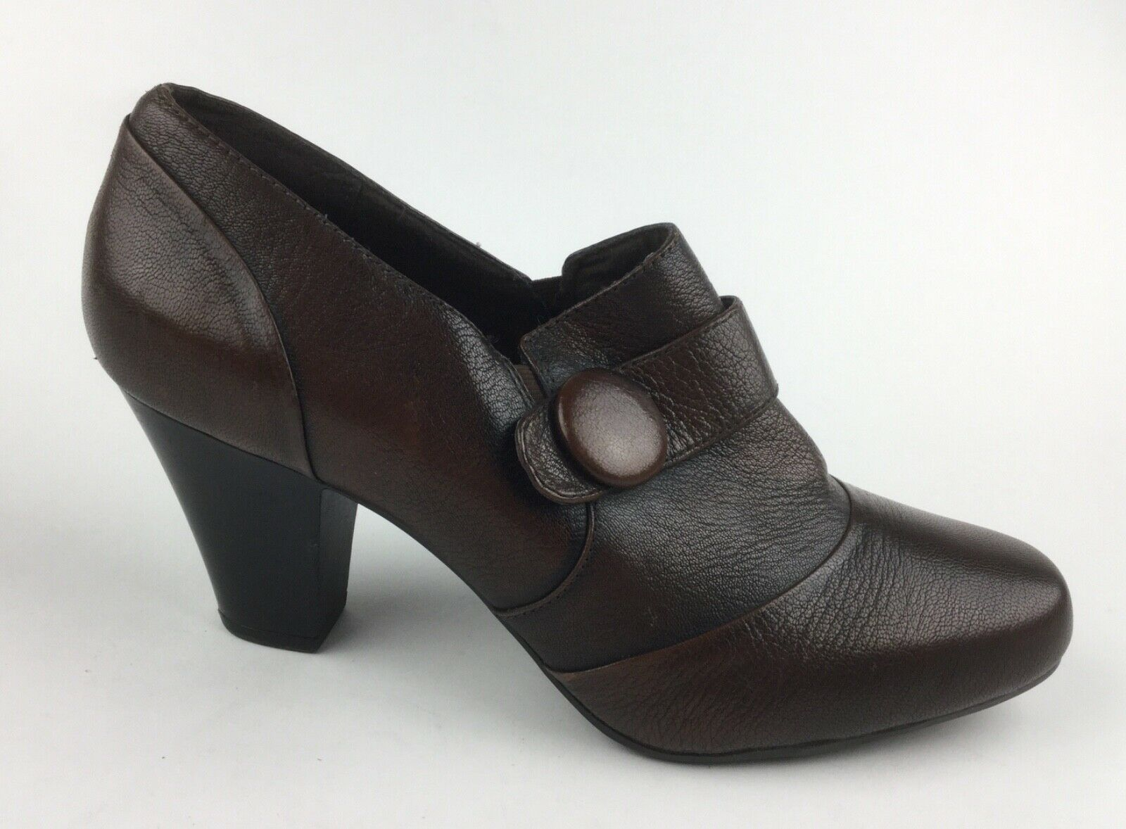 Clarks Bendables Womens Brown Leather Ankle Boots Heels Sz US 11