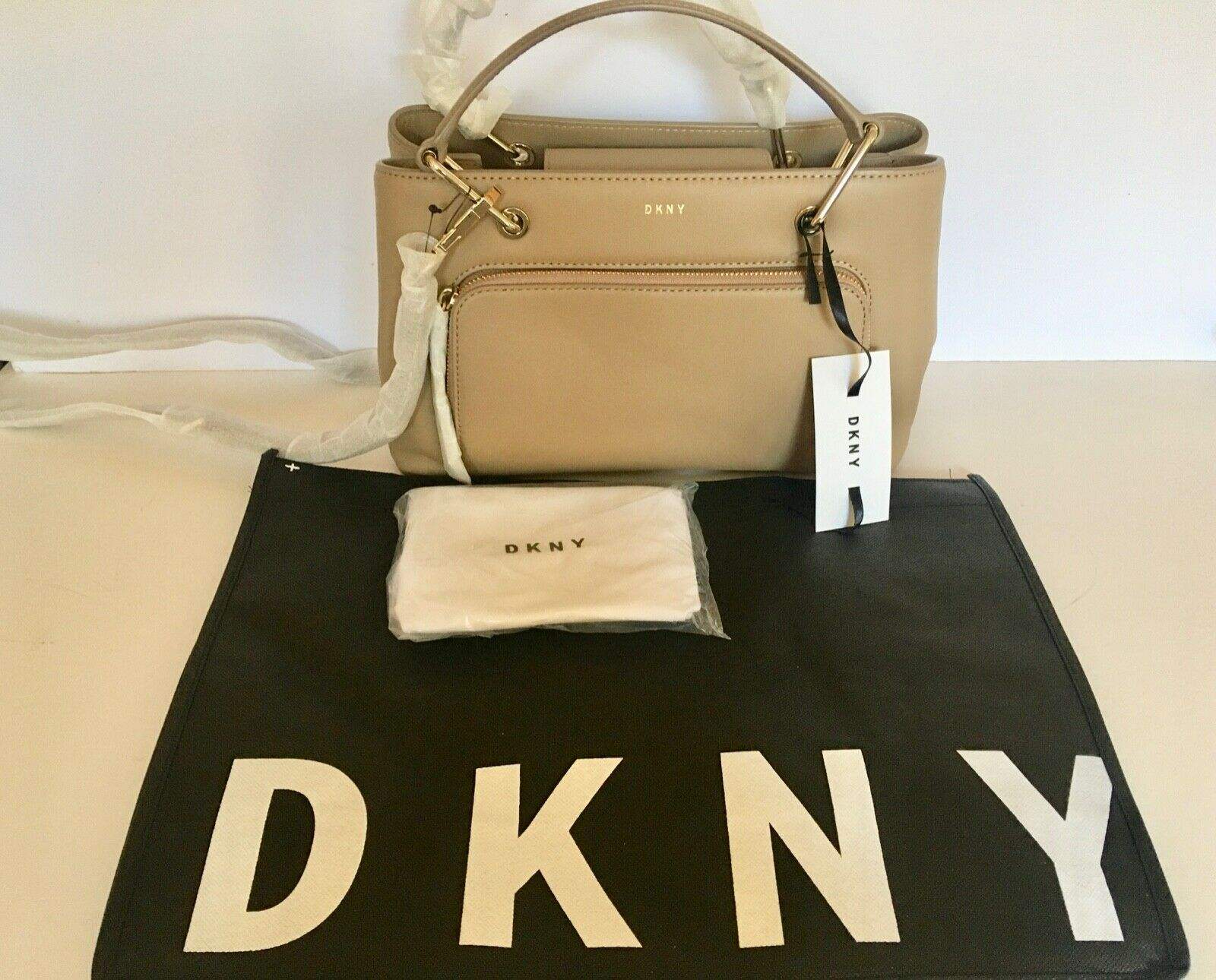 NEW was £395! DKNY SMALL GREENWICH SMOOTH CALF TOTE BAG NATURALBEIGE LEATHER
