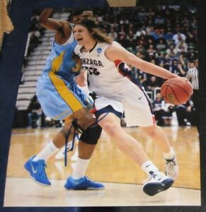 Kelly Olynyk Gonzaga Bulldogs SIGNED AUTOGRAPHED 8x10 Photo Basketball MIAMIHEAT