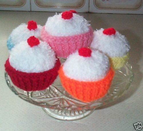 Cake knitting pattern/& case Easyknit Laminated  over 600 sold cupcake food,gift