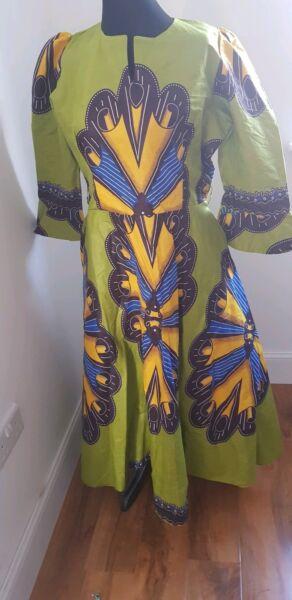 Abundante Vestido De Estilo Africano Tamaño 18. Destacan Este Verano.-ver FáBricas Y Minas