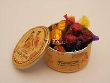 Dolls House Cibo: stile VINTAGE Tin di cioccolatini di qualità STREET-by Fran