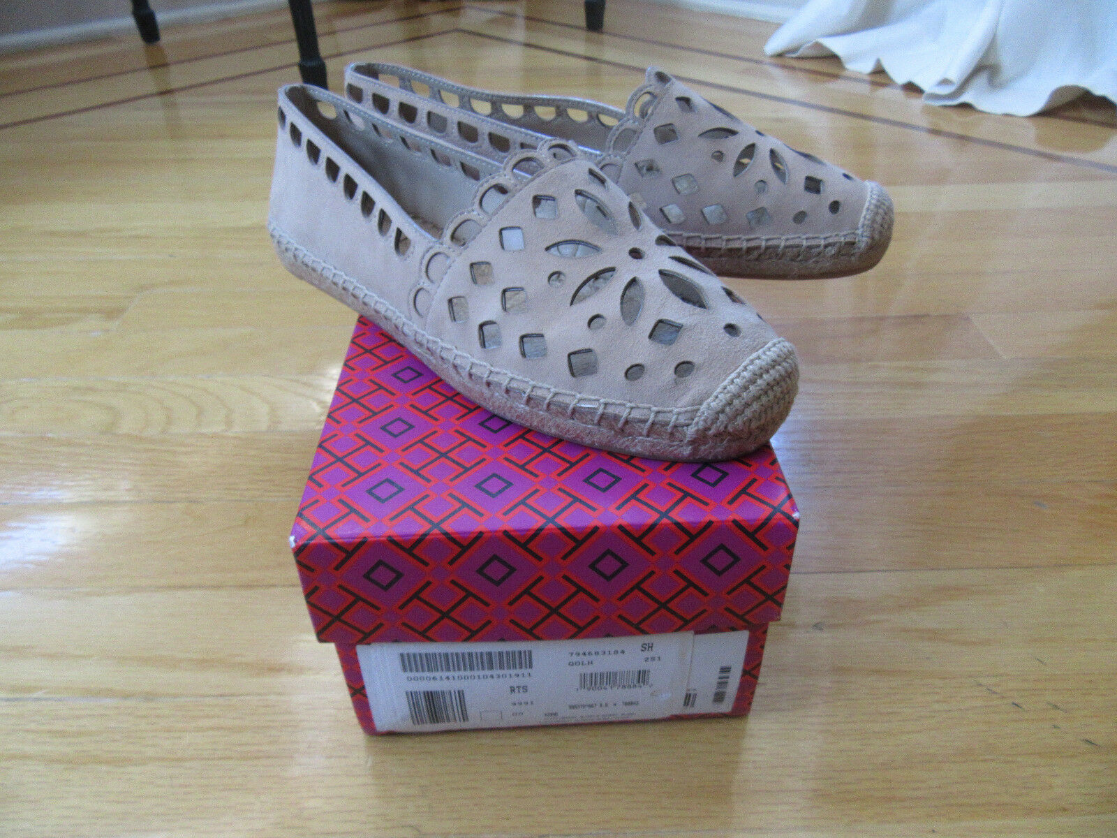 NEW Tory Burch  femmes Espadrilles Beige Slip On Cut Out Suede Taille 8.5 M