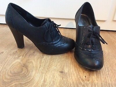 New Look Black Leather Brogue Lace Up