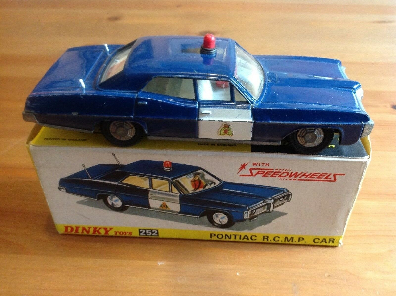DINKY 252 PONTIAC PARISIENNE R.C.M.P CANADIAN POLICE CAR ORIGINAL AND BOXED