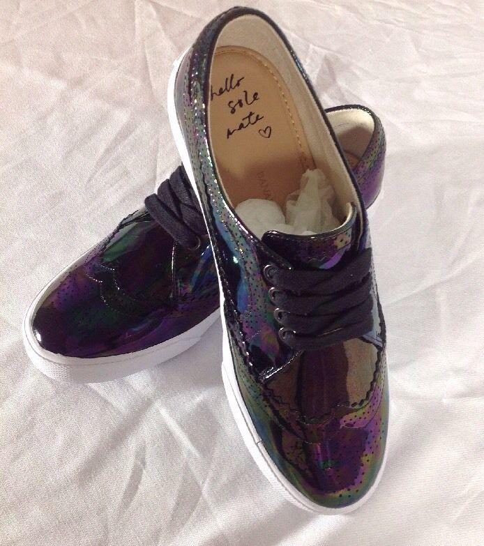 New without box Banana Republic Krysta Brogue Sneakers Sz 6M
