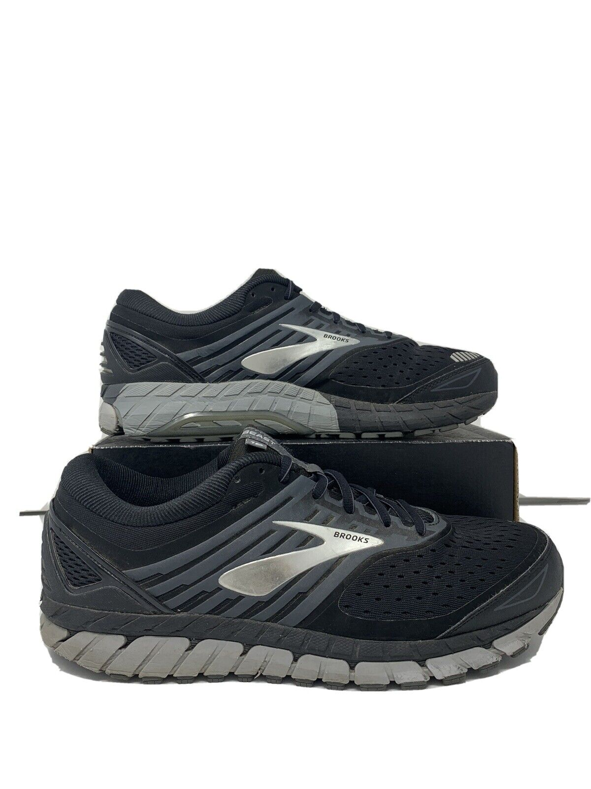 Men's Brooks Beast 18 Running Shoes Black Grey Silver Size 12.5 Wide (2E)